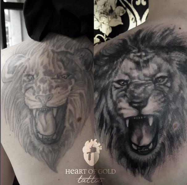 Cover-up eines Löwen Tattoo